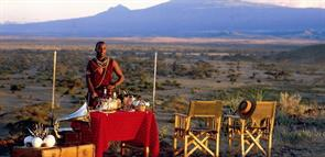 TORTILIS CAMP - FRIENDS AND FAMILY DISCOVER KENYA TOGETHER